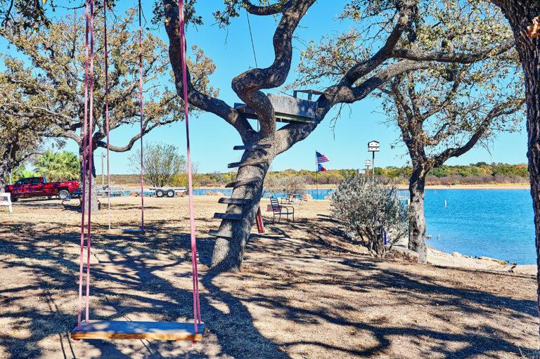 Beachcomber Lakefront Tree Fort