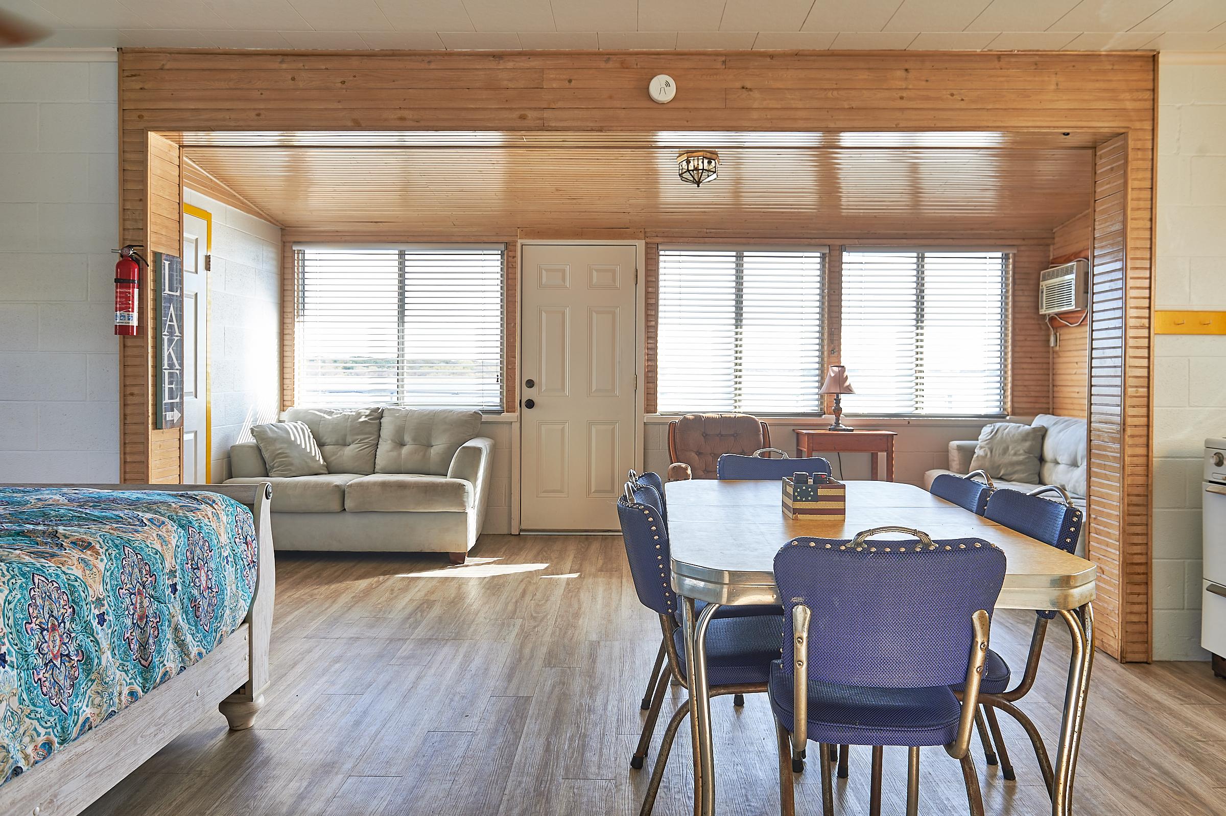 Bluebonnet Cabin Sunny Interior